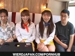 Dos azafatas japonesas muy cachondas