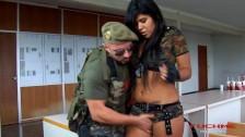 En el ejército también follan