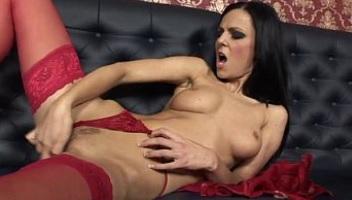 Morena puta busca sexo desesperadamente