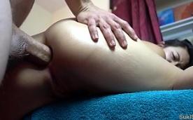 Follada anal a una joven japonesa amateur de 18 años