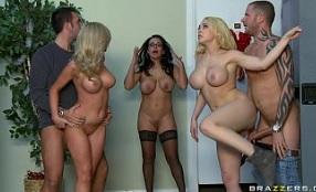 Una profesora y cuatro alumnos montan una orgía en clase