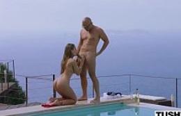 Modelo disfrutando de sus vacaciones en Ibiza