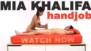Mia Khalifa nos enseña a hacer la paja perfecta a través de la webcam